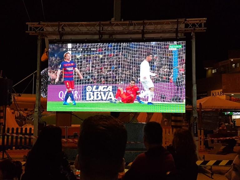 Clásico Barça Madrid en C.C. El Trompo